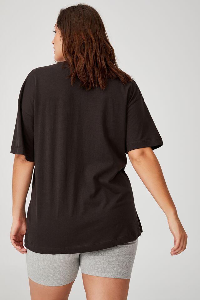 Curve Oversized License Graphic Tee, LCN PER PINK FLOYD BUTTERFLY EMB/WASHED BLACK