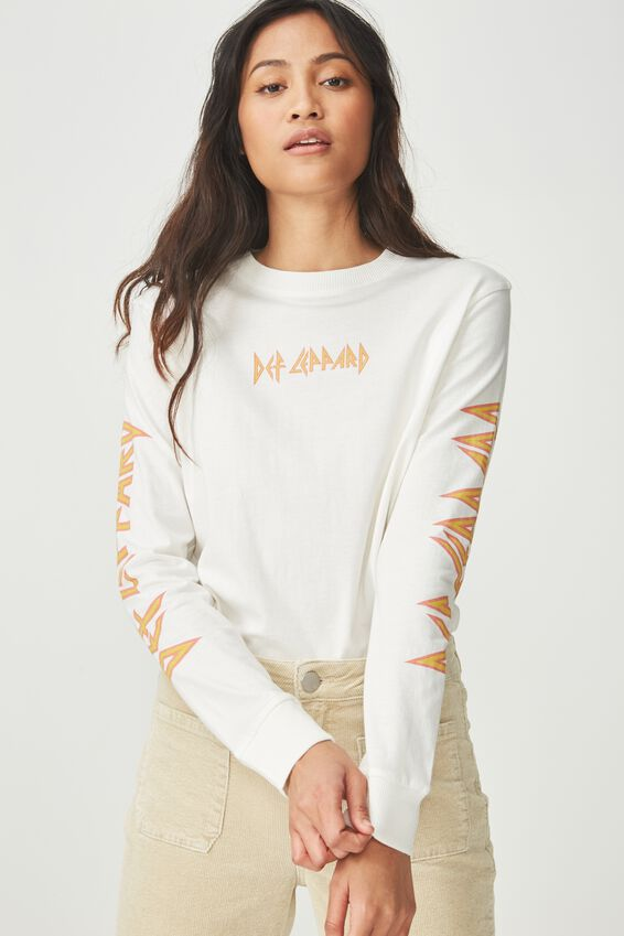 Tbar Tammy Chopped Graphic Long Sleeve Tee, LNC DEF LEPPARD LOGO/GARDENIA
