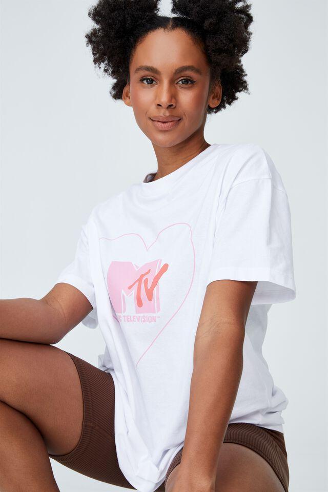 The Relaxed Boyfriend Graphic Tee, LCN MTV KEYLINE HEART/WHITE