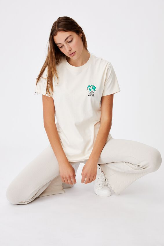 Classic Pop Culture T Shirt, LCN SMI SMILEY HANDLE WITH CARE/WHITE SAND