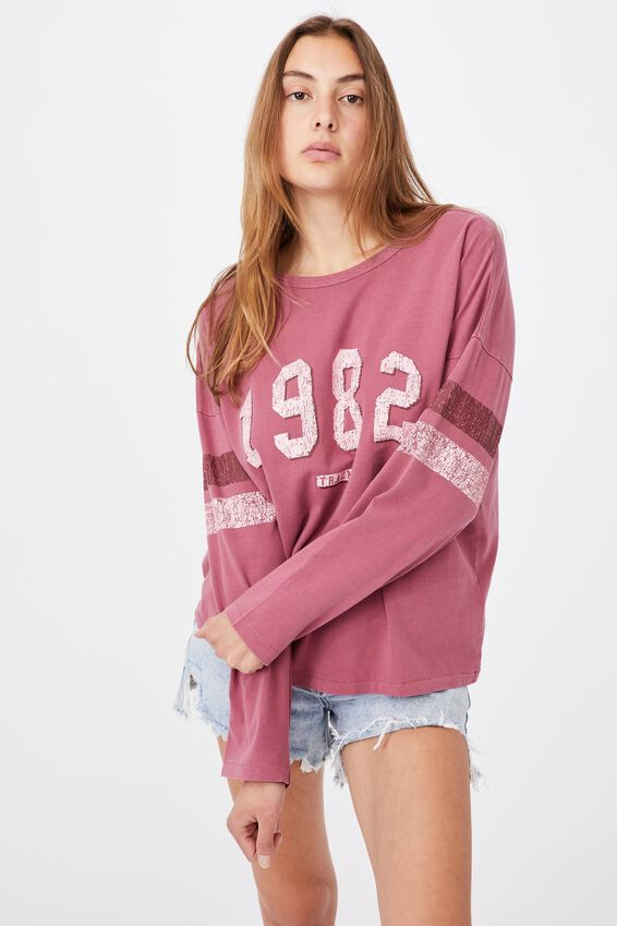 The Kyle Oversize Graphic Long Sleeve Tee, 1982/CRIMSON PINK