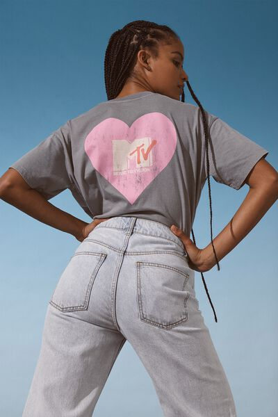 The Relaxed Boyfriend Graphic Tee, LCN MTV SOLID HEART LOGO/THUNDER GREY