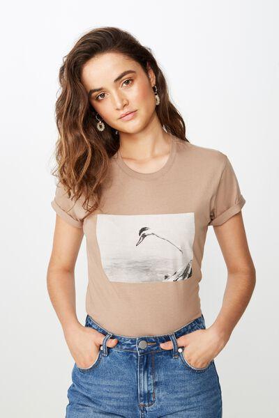 Classic Photo T Shirt, DIVE IN/SHIITAKE