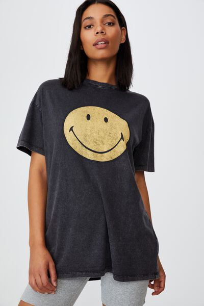 The Relaxed Boyfriend Graphic Tee, LCN SMI CLASSIC SMILEY/BLACK