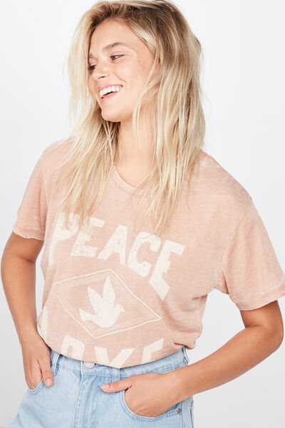 Classic Slogan T Shirt, PEACE LOVE/CAMEL