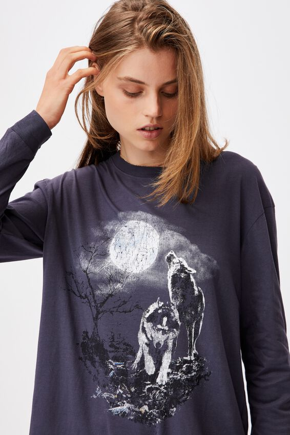 Martha Graphic Boyfriend Long Sleeve Tee, WOLVES HOWLING/WASHED NAVY