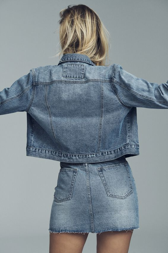 Girlfriend Denim Jacket, BOSTON BLUE