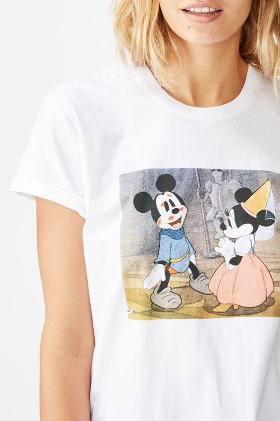 Classic Mickey And Co T Shirt, LCN DIS MICKEY AND MINNIE VALENTINES/WHITE