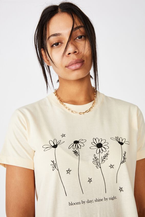 Classic Arts T Shirt, BLOOM BY DAY/SUGAR COOKIE