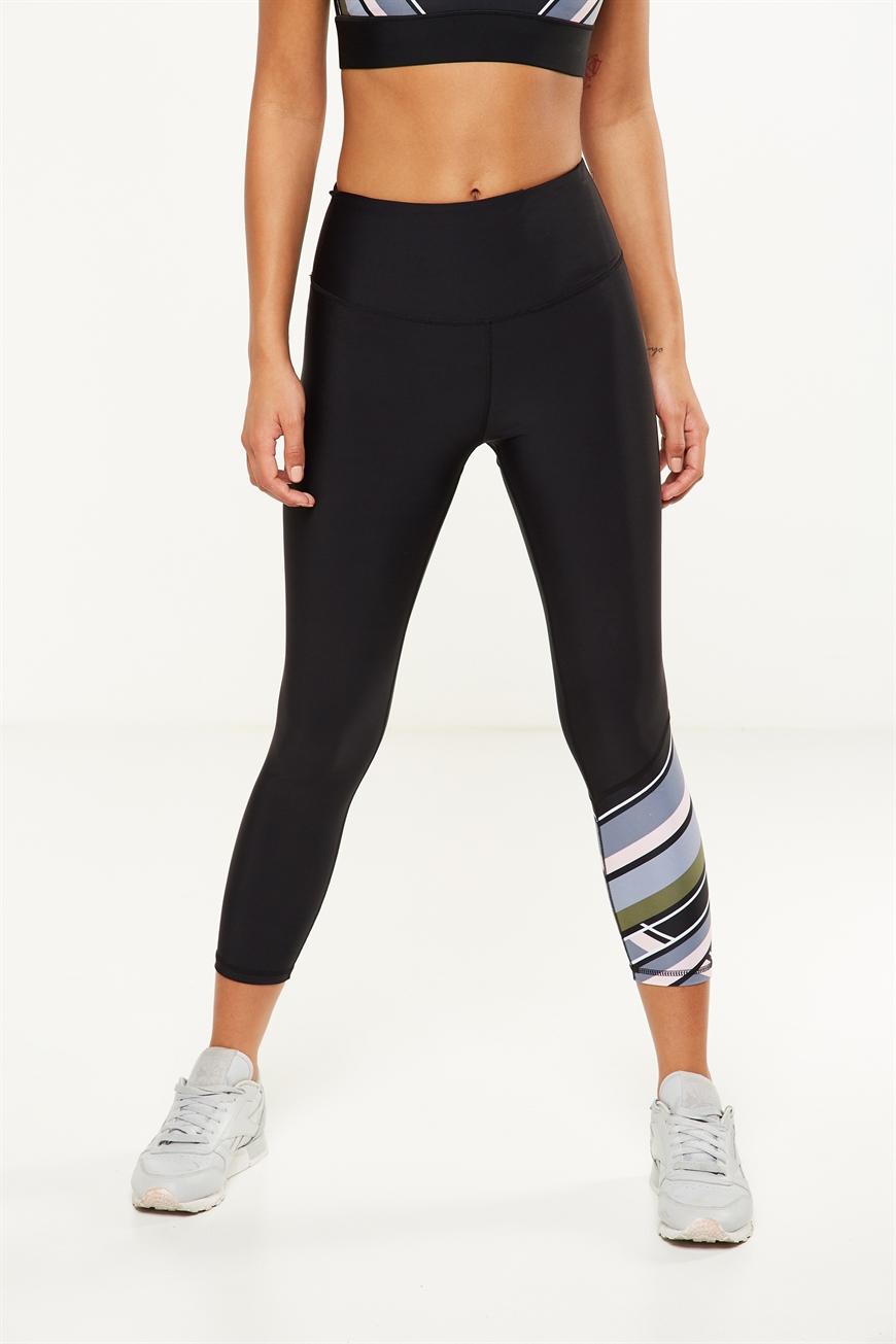Body - Highwaisted Yoga 7/8 Tight - Black/print 9352403142315
