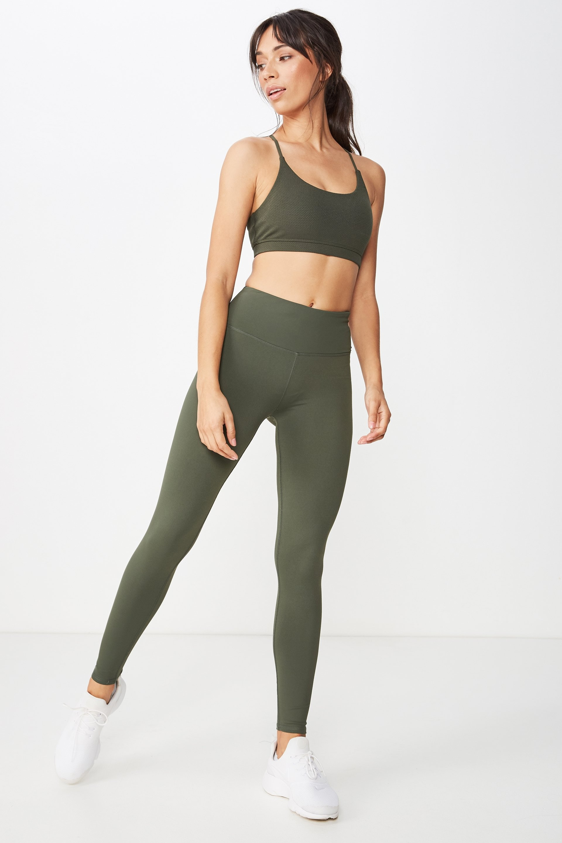 Our favourite workout buddy, the Active Core Tight has become one of our best-selling active tights. No frills - simply a full length, wide stretch, double layered waistband and moisture wicking fabric for maximum comfort when you workout. - Firmly hugs the body - High waist - Full length - Double layer wide stretch fabric waistband - Waistband coin pocket - Moisture wicking fabric - Flatlocked stitching SOLID: 88% POLYAMIDE / 12% ELASTANE MARLE: 44% POLYAMIDE / 44% POLYESTER / 12% ELASTANE MODEL WEARS SIZE: SMALL - AU 10 US 6 EUR 38