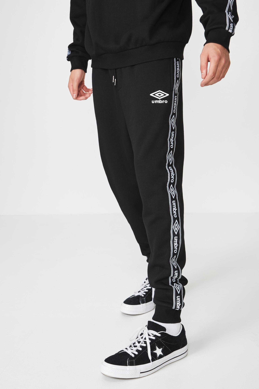 277192790 Umbro Lcn Fleece Tape Track Pant | Men's Fashion & Accessories ...