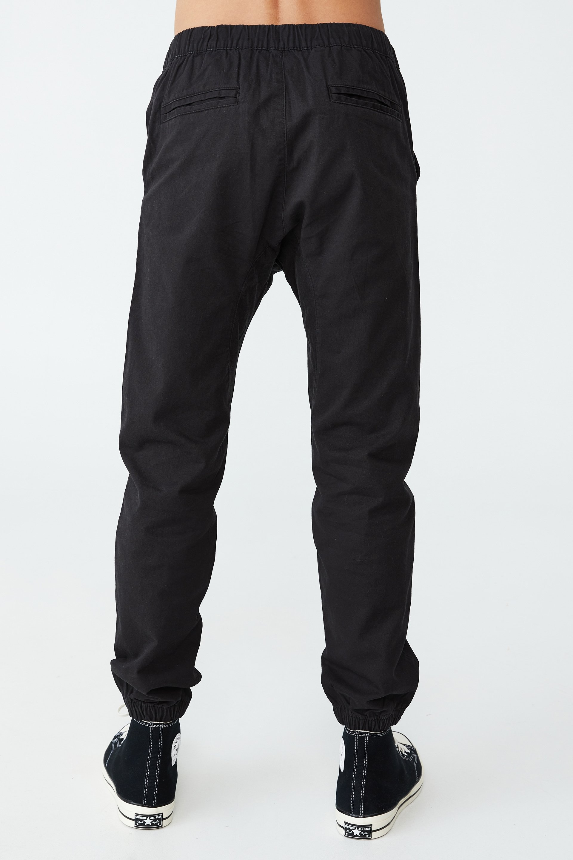 These hardy Sweats made from ACTIVE WEAR Campcloth has a brushed inner-face % COTTON