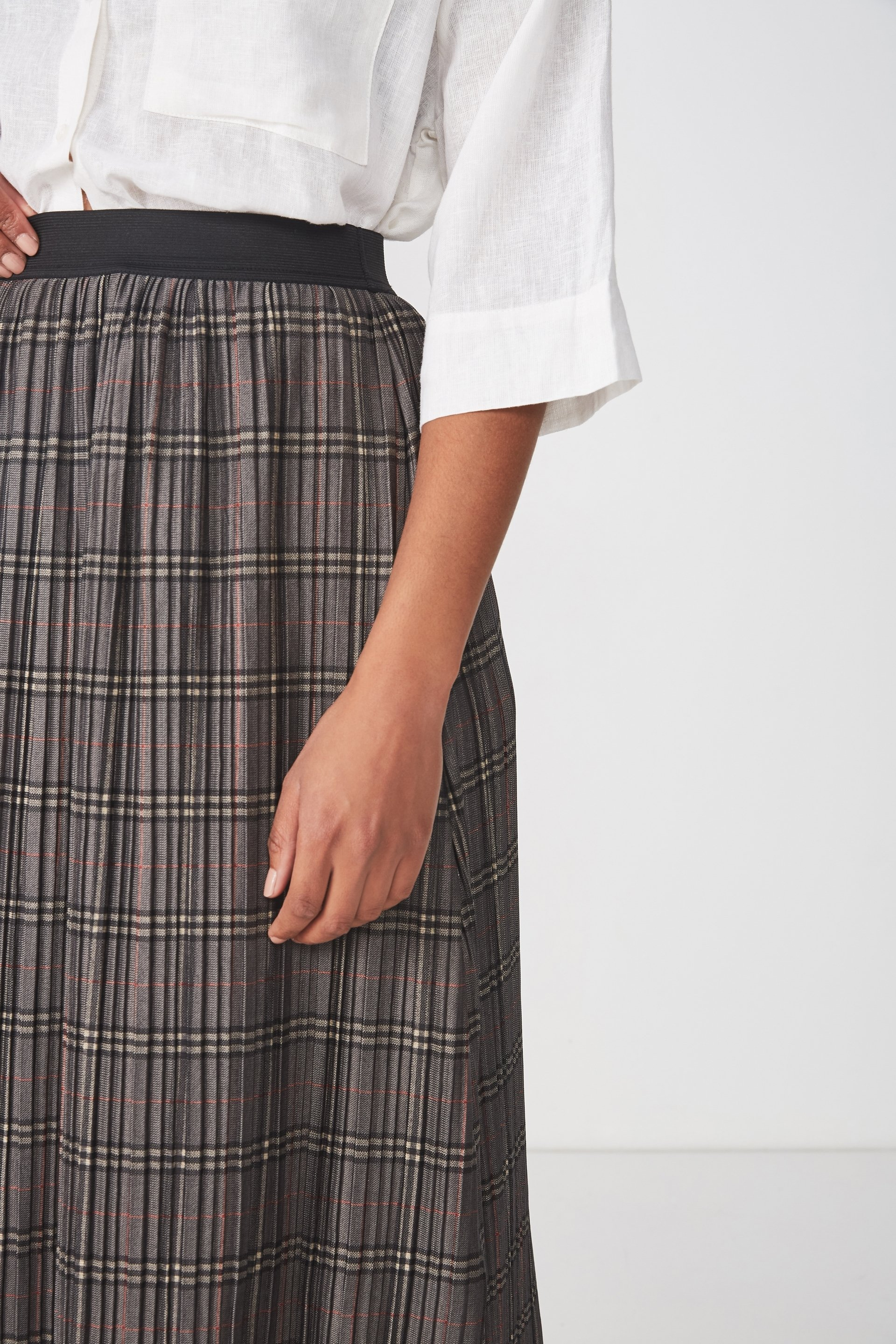 6f7caea92 ... Woven Dolly Check Pleated Midi Skirt, GREY CHECK ...